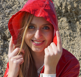 Little red riding hood (19 pics)