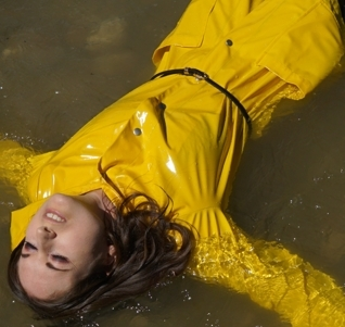 Soaked - shiny yellow, blue jeans, black Hunter wellies (61 pics)